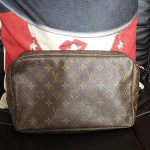 Authentic Louis Vuitton  Trousse 28 bag